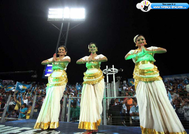 ipl-t20-cheerleaders-2012