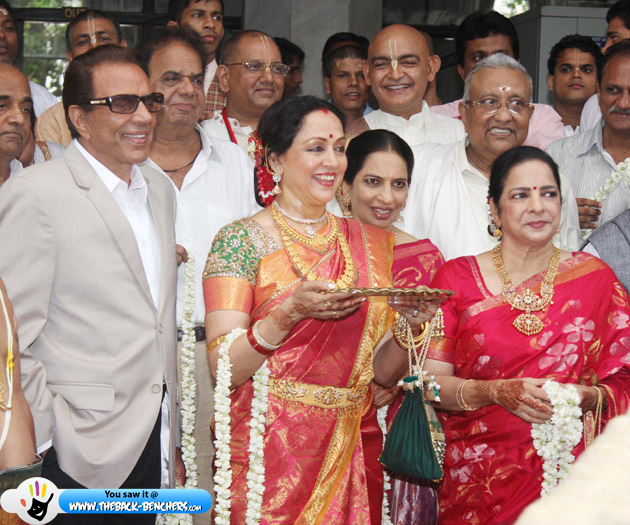 dharmendra-and-hema-on-esha-deol-wedding