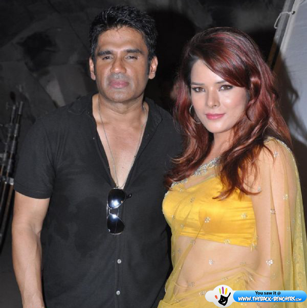 sunil shetty udita goswami-photo